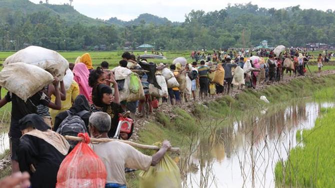 Bangladeş'e sığınan Müslümanların sayısı 370 bine ulaştı