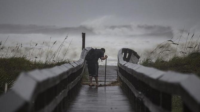 Irma'dan etkilenen Fransız adaları doğal afet bölgesi ilan edildi