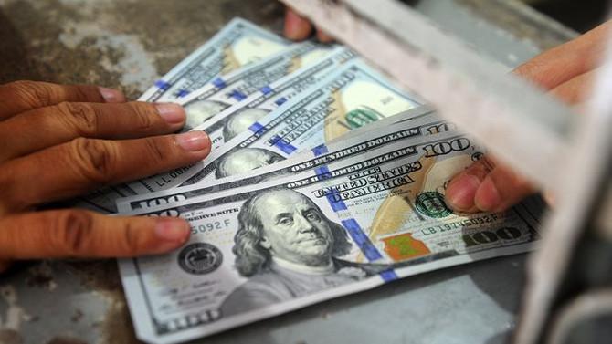 Serbest piyasada dolar 3,7730 liradan açıldı