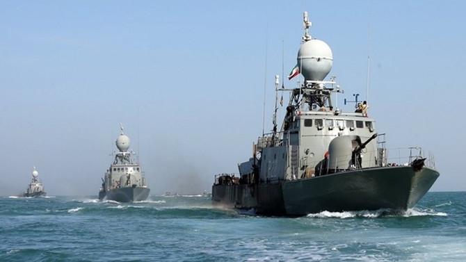 İran savaş gemisi dalgakırana çarptı
