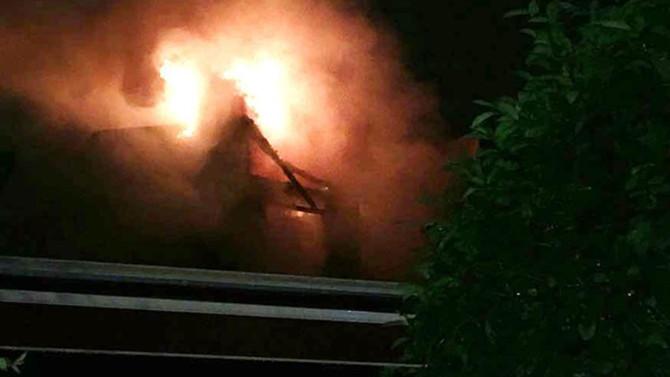 Kadıköy'de vakıf binasında korkutan yangın