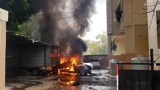 Lübnan'da park halindeki araçta patlama