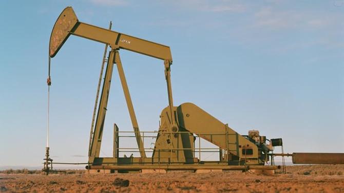 Azalan kuyu sayısı petrol fiyatlarına destek oldu