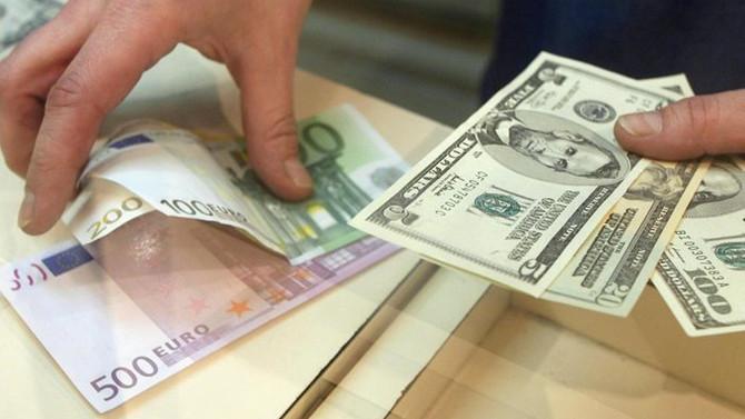 Piyasaların gözü euro/dolar paritesinde