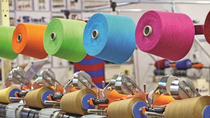 Kurdaki dalgalanma tekstilde 'ip'leri gerdi