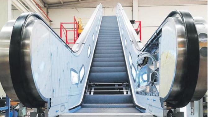 Nürnberg metrosunun yürüyen merdivenleri İzmirli Löher'den
