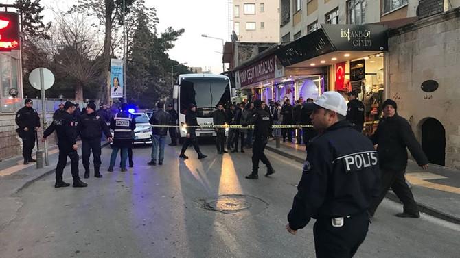 Kilis'e atılan roket lokantaya düştü, yaralılar var