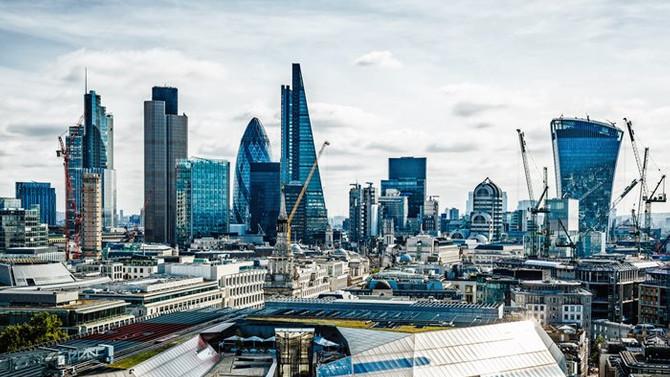 Londra'da '2. Dünya Savaşı'ndan kalma bomba' paniği