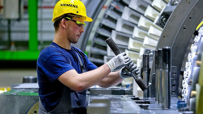 Almanya'da metal işçilerinden 24 saatlik grev