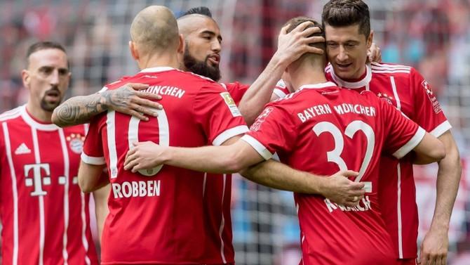 Bayern Münih, evinde Hamburg'u farklı yendi