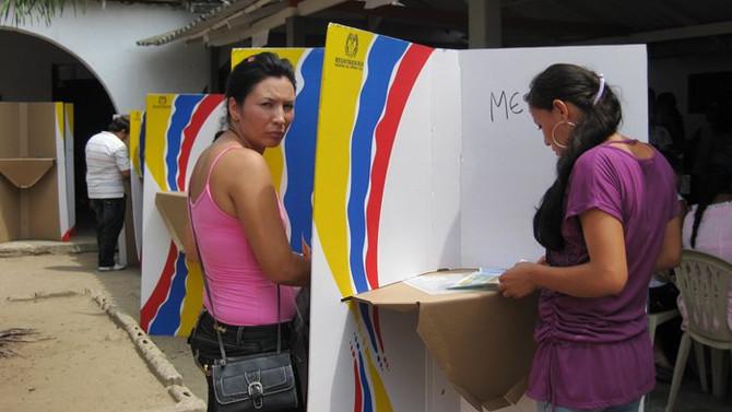 Kolombiya genel seçim için sandık başında