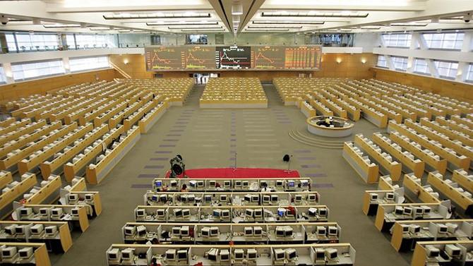 Çin borsası 'sınırsız başkanlık' ile yükseldi
