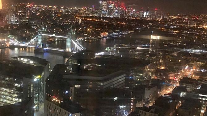 Sana bir gökdelenden de baktım güzel Londra…