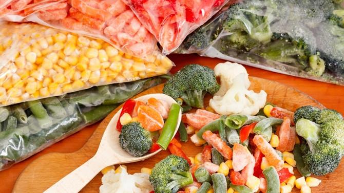 Dondurulmuş veya konserve gıdaların besin değeri değişir mi?
