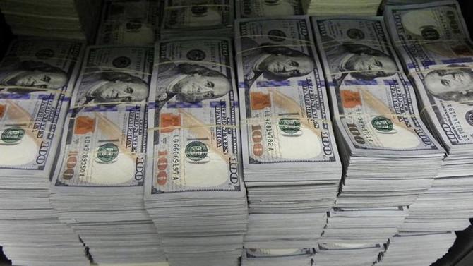 Dolar yukarı yönlü, borsa kayıplarını telafi etti