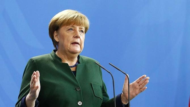 Merkel'den ABD'nin ek gümrük vergilerine tepki