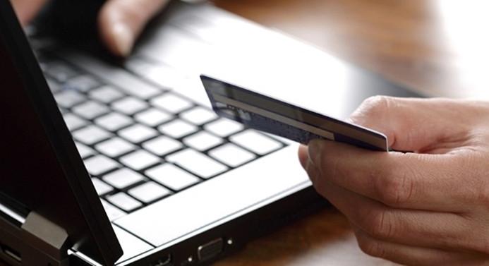 E-ticarette hacim 17.5 milyar TL'ye ulaştı