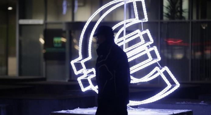 'Euro endişesi', pariteyi aşağı çekti
