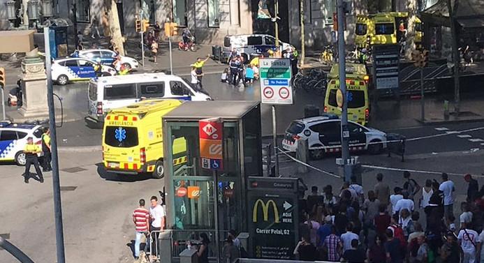 Barselona'da minibüs yayaların arasına daldı: 13 ölü