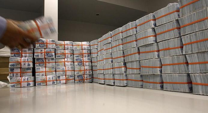 Hazine, ağustosta 9 milyar lira borçlandı