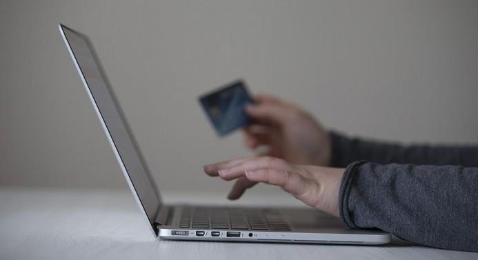 Üç sektörde kartlı ödeme ikiye katlandı