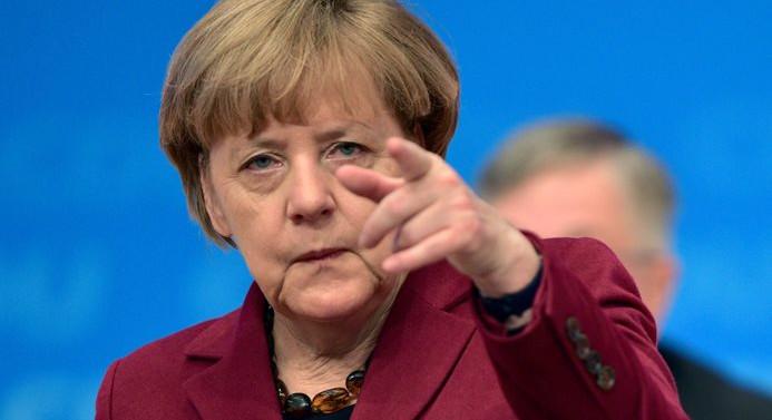 Merkel: Gerekirse Türkiye'ye ekonomik baskı uygularız