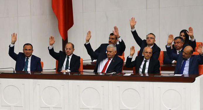 Irak - Suriye tezkeresi TBMM'den geçti
