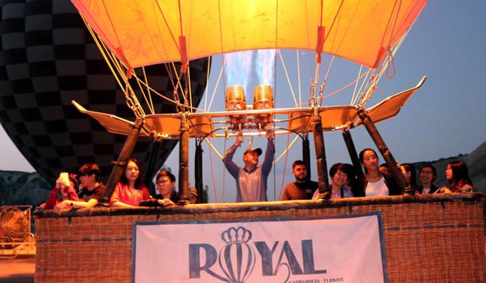 Uzakdoğulu turistlerin balon turlarına ilgisi artıyor
