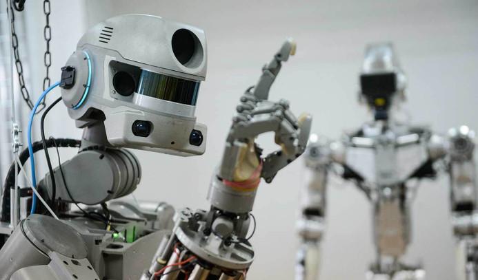 Dünyanın tüm robotları birleşin