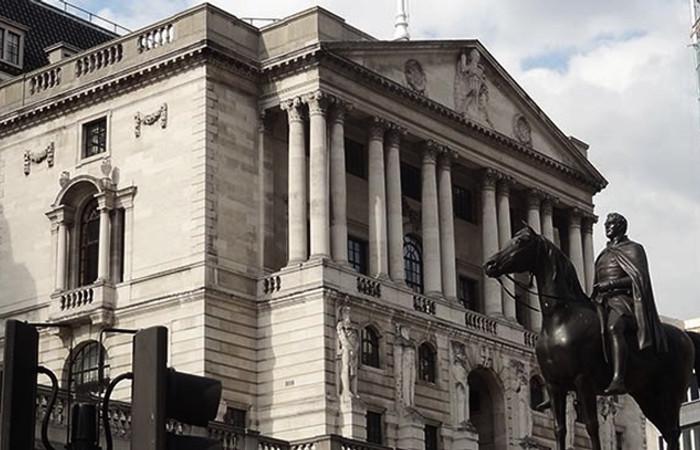 BoE, 10 yıl aradan sonra faiz artırdı