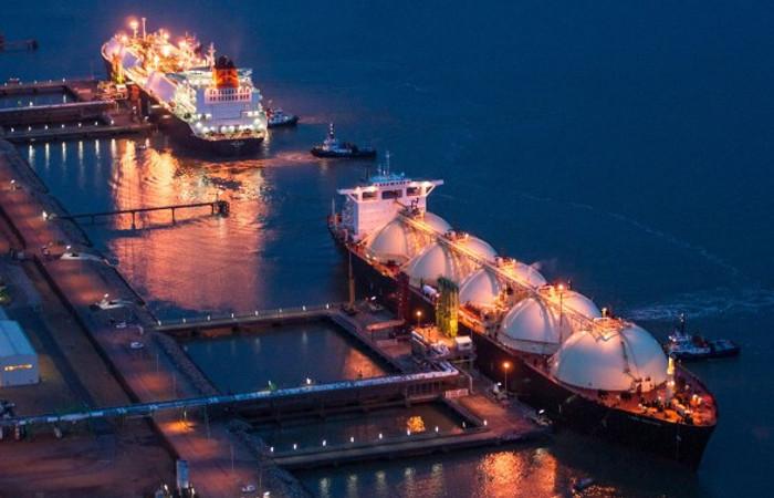 İki yeni yüzer LNG ünitesi devreye alınacak