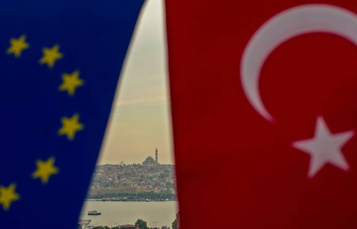 turkey's position at european union and In 1999, barry buzan and the author used regional security complex theory to argue that turkey and the european union (eu) should look for alternatives to full turkish eu membership this was based on the security stability that turkey as an insulator in the international system would provide on.