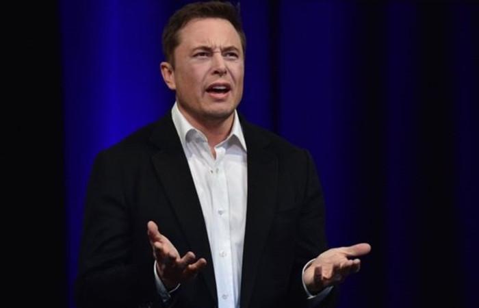 Elon Musk, borsadan çıkma planından vazgeçti