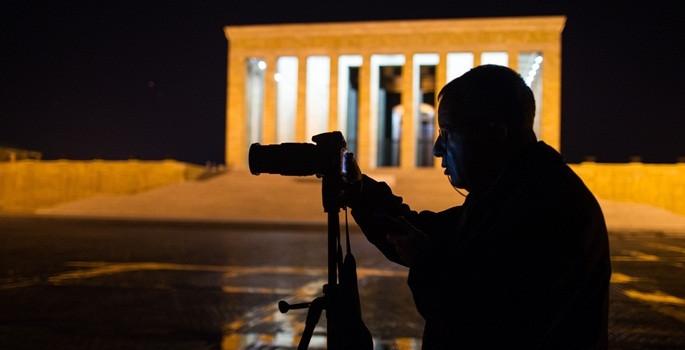 'Bir ışık da sen yak Anıtkabir'de'
