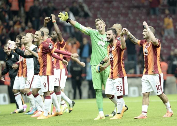Sneijder'ın golleri Avrupa'yı da mest etti!
