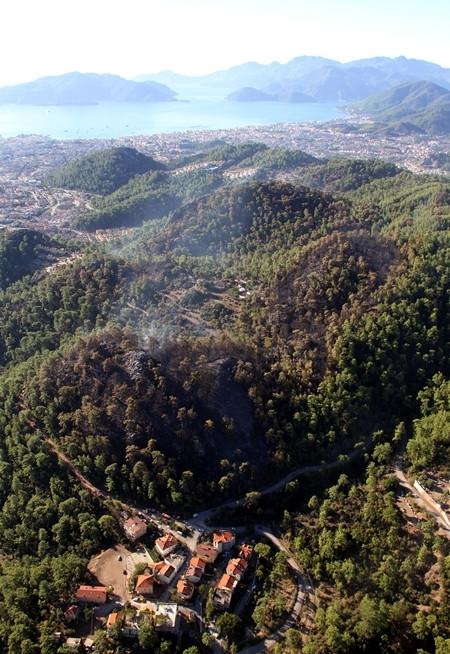 Marmaris'teki yangın havadan görüntülendi