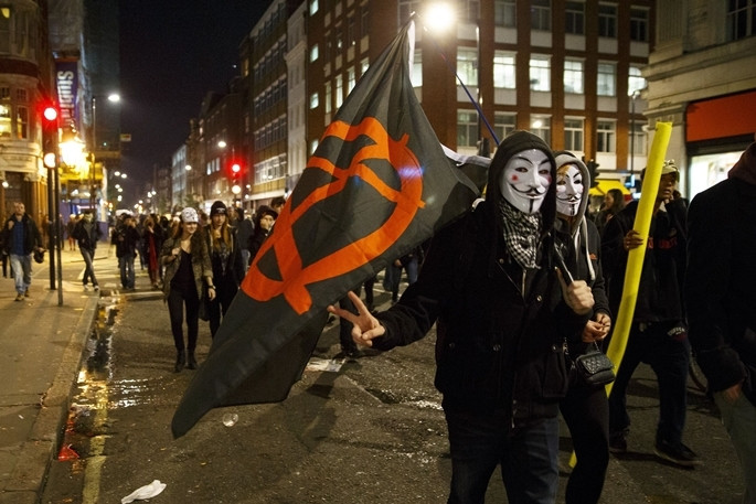 Guy Fawkes yeniden Londra sokaklarında