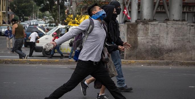 Meksika'da polise öfke dinmiyor