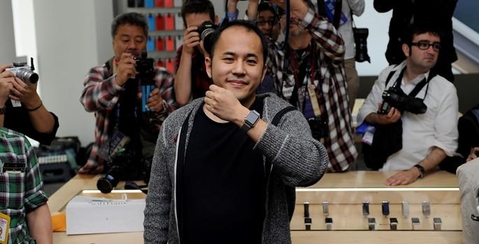 Apple Watch'u ilk o satın aldı