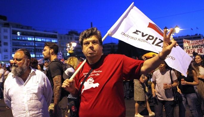 Binler Çipras'a destek için yürüdü
