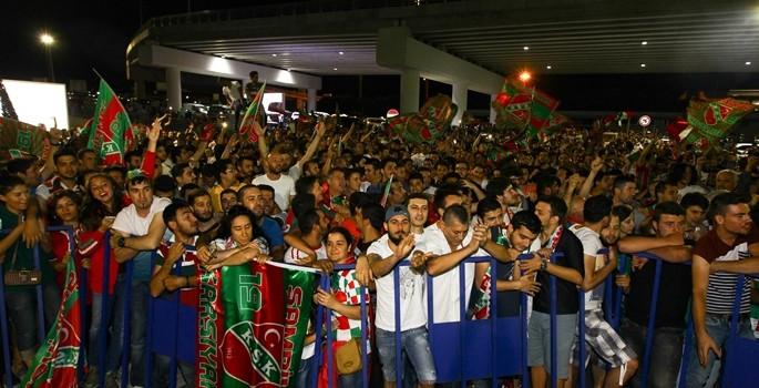 Karşıyaka'dan şampiyonluk kutlaması