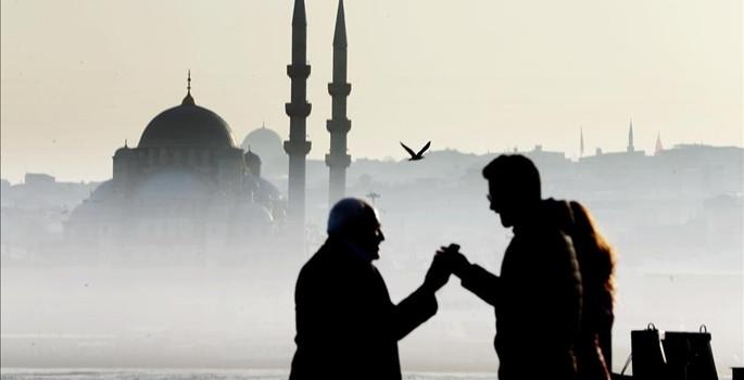 İstanbul sisten kayboldu