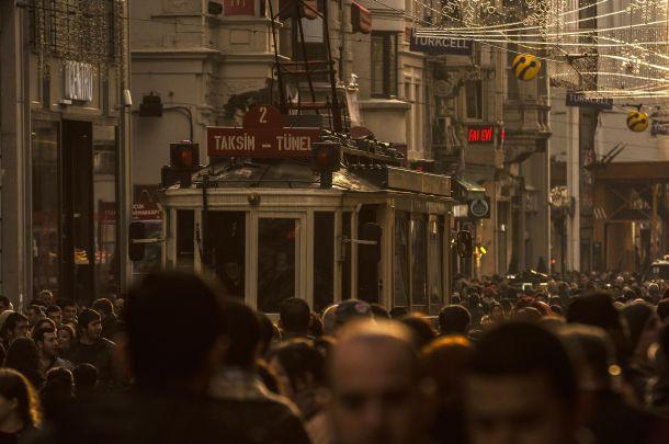 O sadece İstiklal Caddesi'nin değil İstanbul'un simgesi