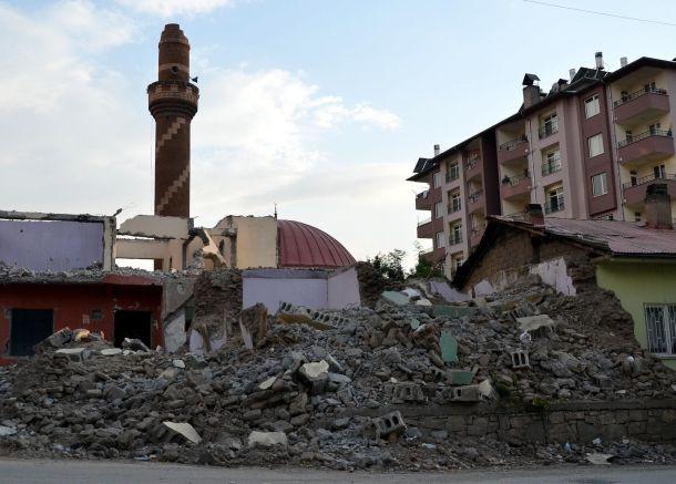 Depremden 1,5 yıl sonraki Van