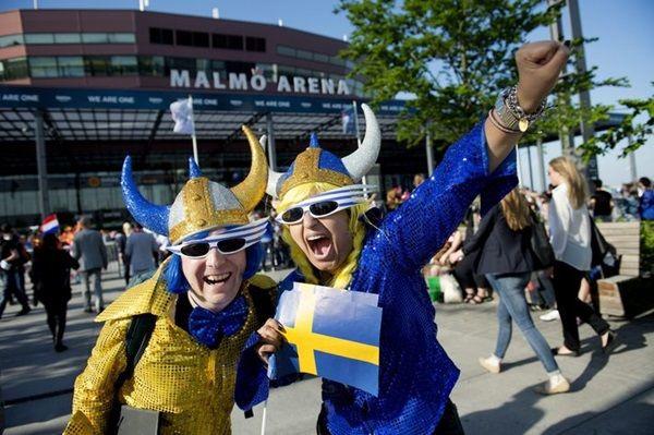 Eurovision renkli geçti