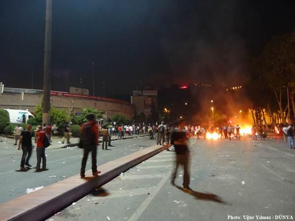 Dolmabahçe'de 'meydan savaşı' yaşanıyor