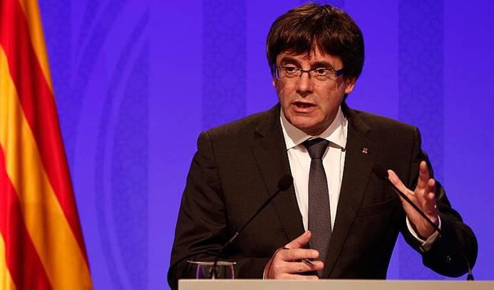 Katalonya, bağımsızlık ilanını askıya aldı