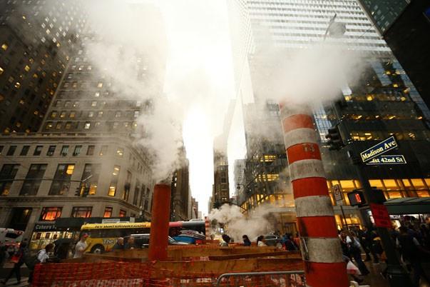 New York'u mazgallarından tüten buhar ısıtıyor