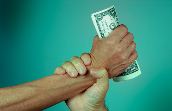 Dolar, Merkez'in adımı ile geri çekildi