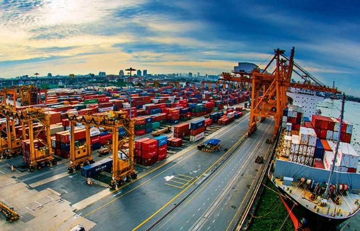 Dış ticaret açığı ekimde 7.3 milyar dolar oldu